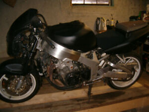 For Sale-1996 Honda CBR 900 RR (has papers)