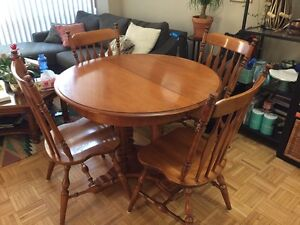 Roxton Solid Maple Dining Table and Chairs