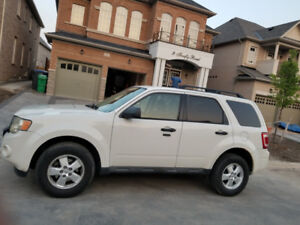 2010 Ford escape for sale great condition, lady driven!!