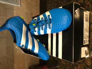 Kids size 12 soccer cleats