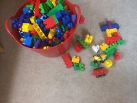 Assorted duplo blocs