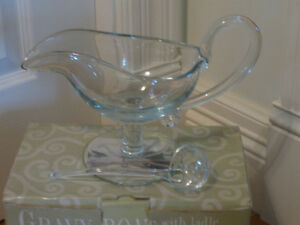 MOUTH-BLOWN HAND MADE CLEAR GLASS GRAVY BOAT & LADLE