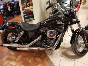 2017 Harley Davidson Street Bob. Like NEW! $137 bi-weekly!