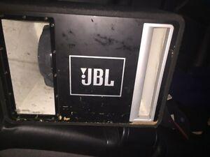 "Subwoofer 12"" JBL avec amplie"