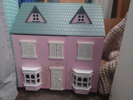 *Free* Doll's House