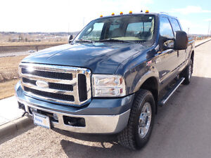 2005 Ford F-350 Lariat Super Duty 4x4 Crewcab - CLEAN AND SOLID