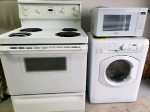 Range, washer/dryer combo, microwave