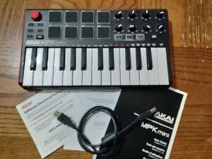 Akai MPK Mini MIDI Controller *mint*