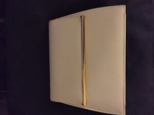 Ladies white clutch purse, excel cond, asking 7.00/OBO