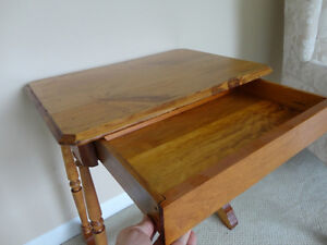 Vintage Solid 100% Country Wood End Table - In Excellent shape Kitchener / Waterloo Kitchener Area image 8