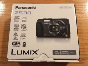 PANASONIC LUMIX ZS30 CAMERA & CASE FOR SALE!