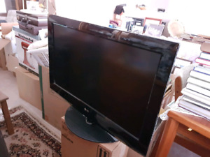 "32"" TV for sale $75"
