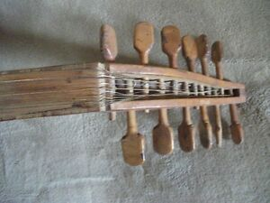 VINTAGE LUTE Kawartha Lakes Peterborough Area image 5