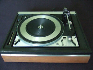 Gorgeous fully restored Dual 2118 automatic turntable