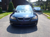 2007 BMW 328xi -- AWD -- Like NEW!