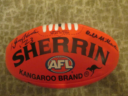 Doug Wade Signed Bruce Nankervis Geelong Signed Football Sherrin Pascoe Vale South Moreland Area Preview