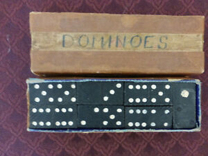 Domino Set - Pre War - very good shape