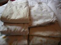 Crib Linens - Draps pour lit d'enfant