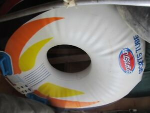 One rider water ski towable tube for tubing