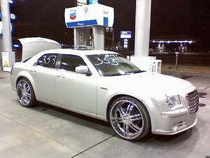 LOOKING FOR A 2005 OR NEWER CHRYSLER 300 WITH A HEMI