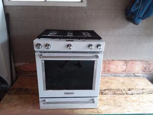 New Kitchen Aid stove