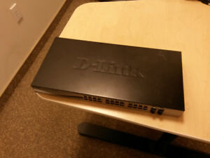 D-Link - Smart Managed 24-Port Gigabit Switch with 4 Combo SFP