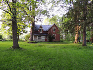 Georgian Bluffs - Century Farm House  2.71 acre lot