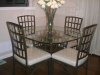 Glass Top Kitchen Table with 4 Chairs/Dining Table Excellent