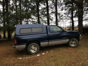 2000 Dodge Ram 1500 SE Pickup short box Truck