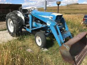 1966 FORD 5000 diesel tractor with front end loader