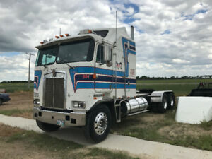 VERY RARE 1987 KENWORTH K100E