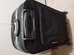 Luggage big 28 inch Mint only $40
