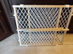 NorthStates Wood Doorway Gate Stairs Baby or Pet Extendable Gate