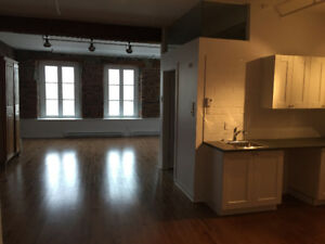 Loft in Old Montreal – 264 St Paul East #1