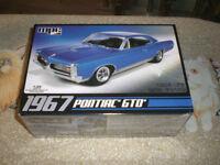 Plastic model 67 Pontiac GTO