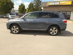2012 Toyota Highlander Sport 4WD Peterborough Peterborough Area image 3