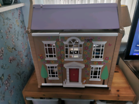 Tidlo tiddlington dolls house complete with furniture and figures