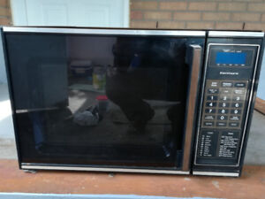 Four micro ondes marque Kenmore