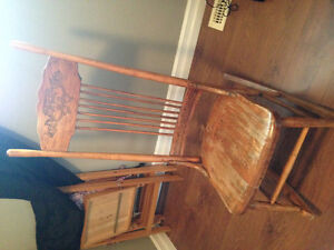 BEAUTIFUL SOLID ROCKING CHAIR MUST GO