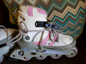 Girls adjustable roller bladed size 1 to 4