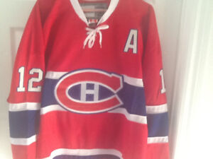Hockey jersey new whit tag dickie moore