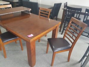 "Table with removable 18"" leaf and 4 Chairs"