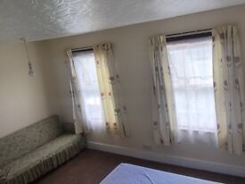 Double bed room in Stratford
