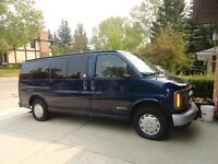 2002 Chevrolet Express Van WITH WHEEL CHAIR LIFT