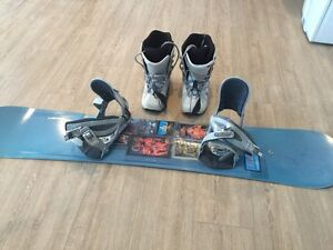 Women's snowboard, boots (size 7) bindings London Ontario image 1