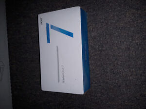 """Acer iconic one 7"""" tablet. Like new"""