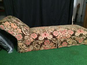 Antique Chaise-Lounge Parlour Chair