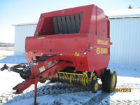 688 New Holland Baler