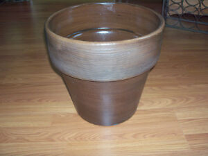 ****NEW****SOLID, MODERN STYLE, DECOR  PLANTER***** Stratford Kitchener Area image 2