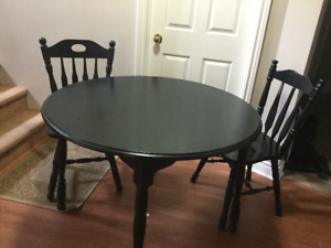 newly refinished solid wood dining table 3 chairs delivery inclu